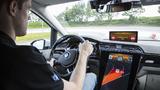 """Die Funktion """"Wrong-way Inhibit"""" verhindert Geisterfahrten auf Autobahnen."""