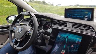 Das »Vision Zero Vehicle« mit mSTARS-System (modular Semi-Trailing Arm Rear Suspension) kann Hindernissen besonders komfortabel dank seiner Hinterachslenkung bis 7,5° ausweichen.