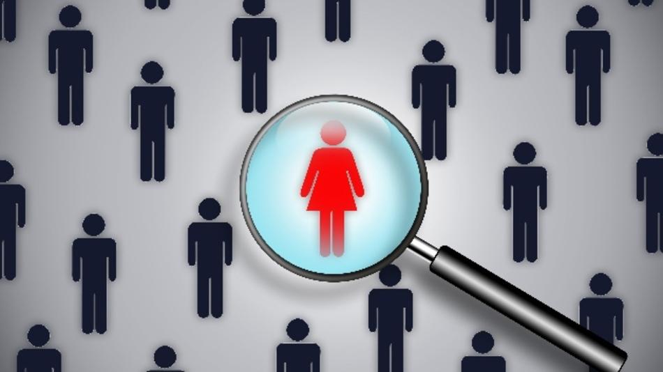 Frauen muss man in Führungspositionen noch mit der Lupe suchen.