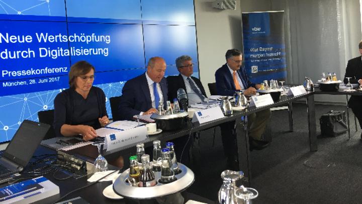 Von links nach rechts: Katja-Schlendorf-Elsäßer, Alfred Gaffal, Bertram Brossardt, Prof_Wolfgang_A_Herrmann