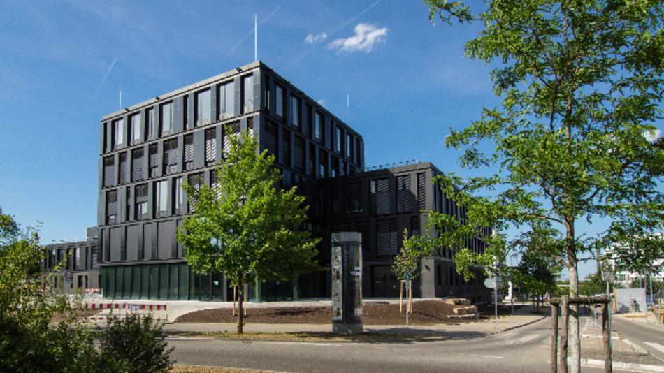 Das neue Gebäude des Zentrums für Sonnenenergie- und Wasserstoff-Forschung Baden-Württemberg (ZSW) in Stuttgart