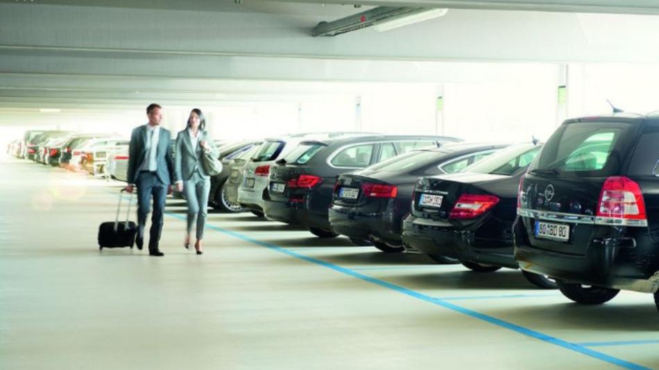 Die Parkplatzsuche kann auch in einem Parkhaus oft zu einer zeitaufwändigen Angelegenheit werden.