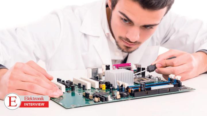 Beurfsbild Elektrotechnik-Ingenier im Wandel vom Trend Industrie 4.0