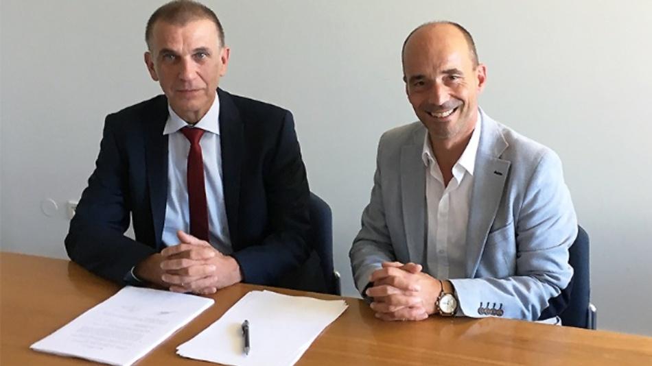 Rolf Sonderegger (r.), CEO der Kistler-Gruppe, und Dr. Heinrich Offergeld, bisheriger Inhaber und Geschäftsführer IOS GmbH, freuen sich über die künftige Zusammenarbeit.