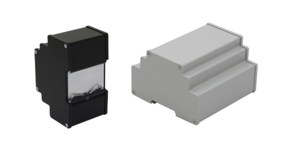 Aus 4 mm starkem Aluminium fertig Wöhr die robusten Hutschienengehäuse DinRa-AL modular, die es in sechs Modulbreiten gibt.