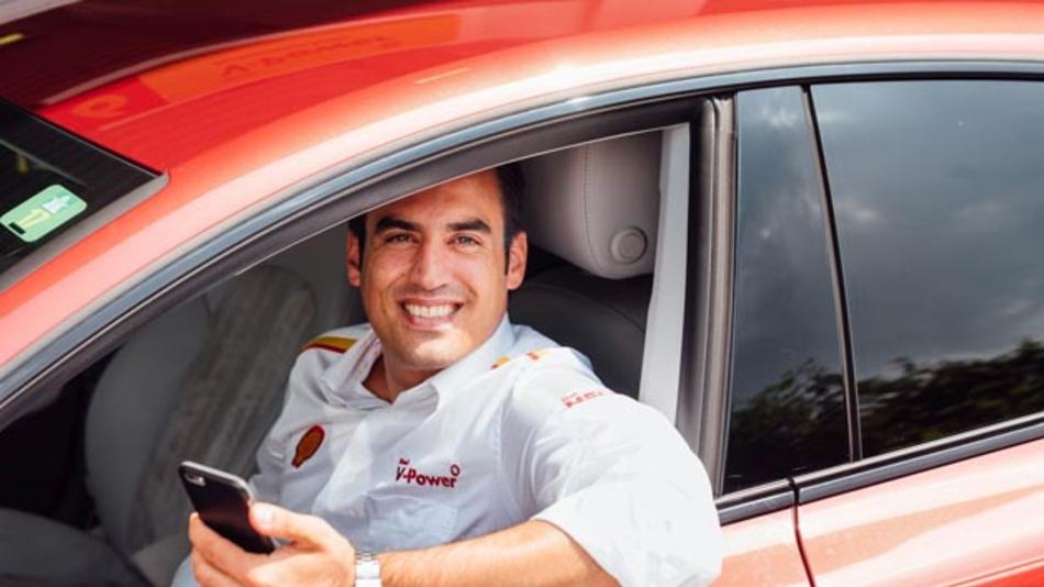 »Unser Angebot richtet sich vor allem an jene Kunden, die es eilig haben oder ihr Auto nicht verlassen wollen oder können«, erklärt Emre Turanli, der Marketingleiter des Shell-Tankstellengeschäftes in Deutschland, Österreich und der Schweiz.