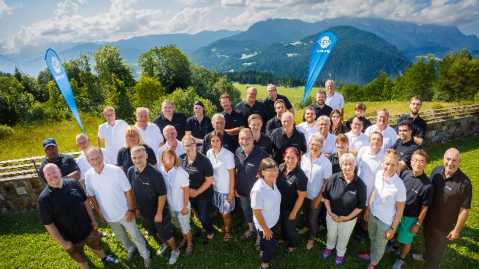 Die Mitarbeiter von SVS-Vistek feierten das 30-jährige Bestehen des Unternehmens im Salzburger Land.
