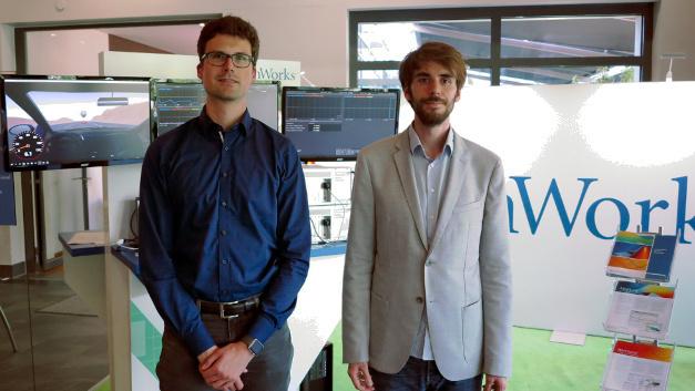 Dr. Andreas Mauderer (links) von der Robert Bosch GmbH im Interview zur modellbasierten ASIC-Entwicklung auf der MATLAB Expo 2017.