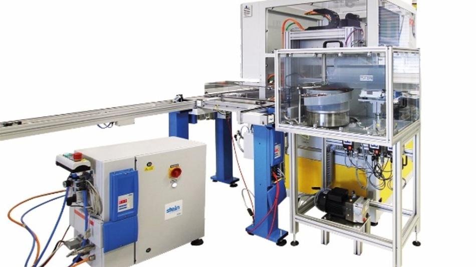Das aus zwei Stationen bestehende System lässt sich durch manuell wechselbare Komponenten auf verschiedene Prüflingstypen einstellen.