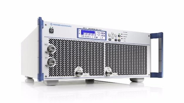 Rohde & Schwarz bietet die neuen Verstärker in den Frequenzbereichen 80 MHz bis 1 GHz, 0,69 GHz bis 3,2 GHz und 2,5 GHz bis 6 GHz bei Ausgangsleistungen von 22 W bis 4200 W an