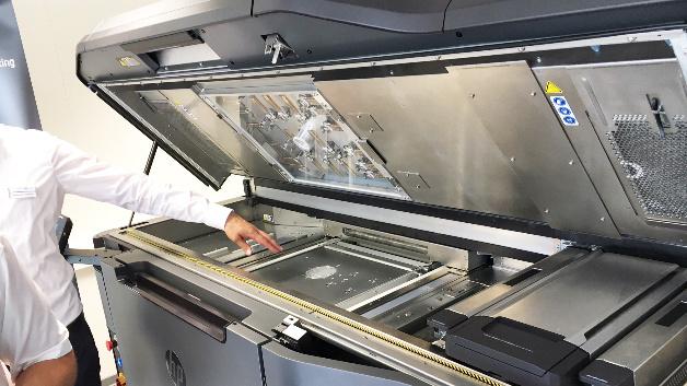 Die ersten Maschinene des Typs HP Jet Fusion 3D 4200 sind bereits ausgeliefert.