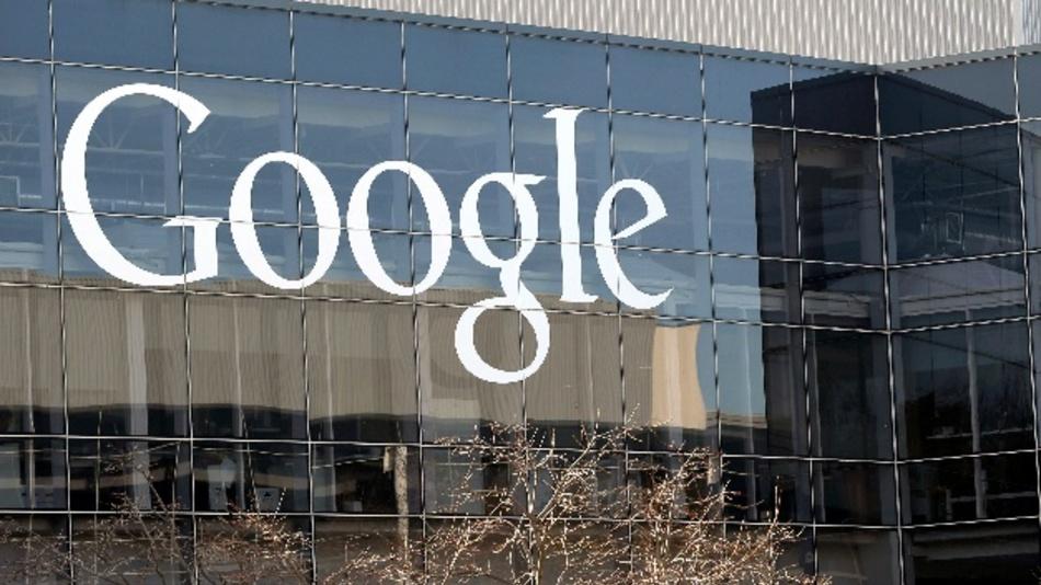 Ein Google-Entwickler, der in einem internen Papier die Meinung vertrat, Frauen seien biologisch weniger für Erfolg in der Tech-Industrie geeignet, ist von dem Internet-Konzern gefeuert worden.