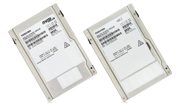 Die TMC PM5 mit 12-GBit/s-SAS-Schnittstelle und die CM5 NVM Express (NVMe) basieren auf den Triple-Level-Cell-BiCS-Flash-ICs von TMC mit 64 Layern.
