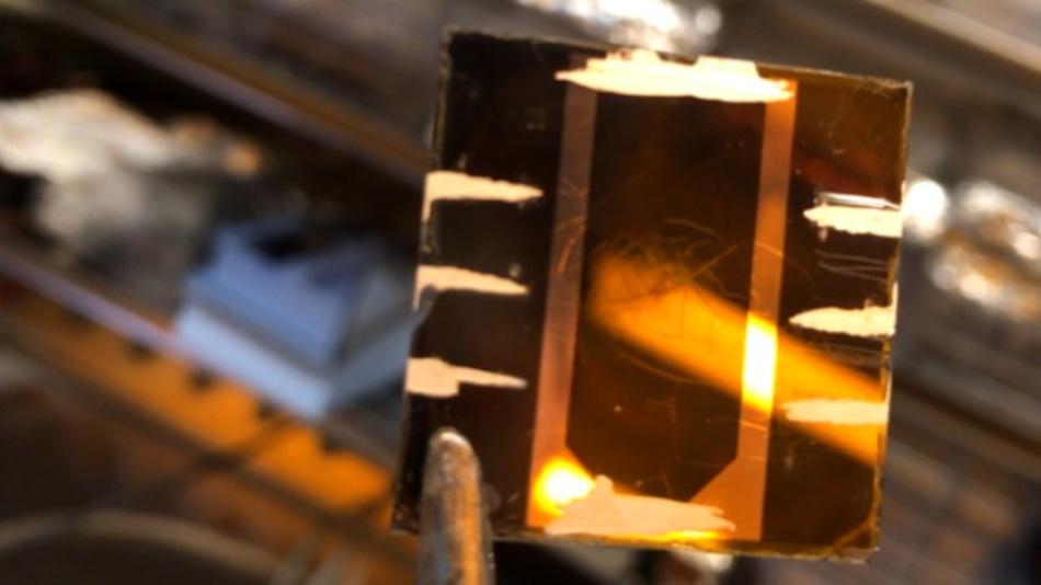 An der Universität Potsdam im Rahmen von HyPerCells entwickelte hocheffiziente Perowskit-Solarzelle