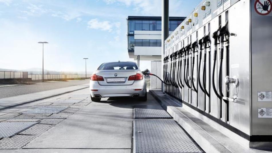 Eine Bosch-Studie zeigt großes Einsparpotenzial an CO2 durch die Nutzung von synthetischen Kraftstoffen.