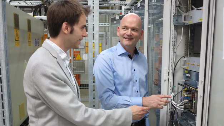 DESYs »Head of MicroTCA Technology Lab« Dr. Thomas Walter im Sommerinterview mit DESIGN&ELEKTRONIK-Ressortredakteur Dr. Constantin Tomaras.