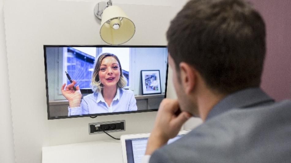 Bewerben per Skype? Es gibt Hürden. Markt&Technik ließ sie sich erklären.