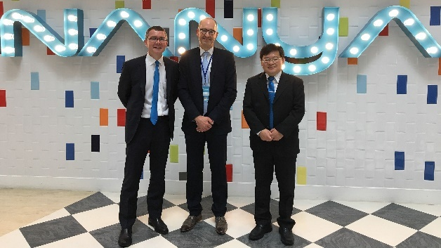 (von links): Jean-Louis Freart (Managing Director Nanya Technology Europe), Andreas Mangler (Rutronik) und Rex Chen (Senior Director Global Sales Group)