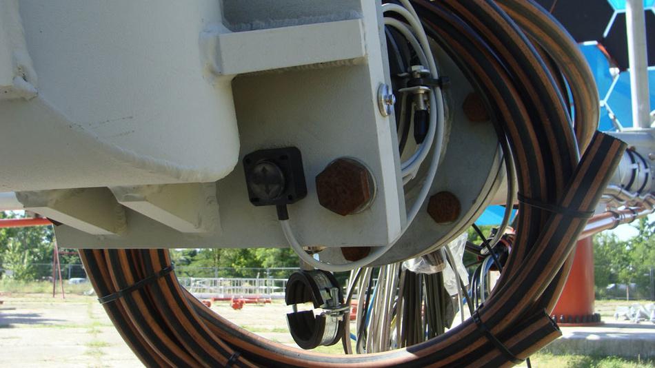 Auf diesem Zoom des oberen Bildes erkennt man einen der Variohm-Sensoren im Teleskop.