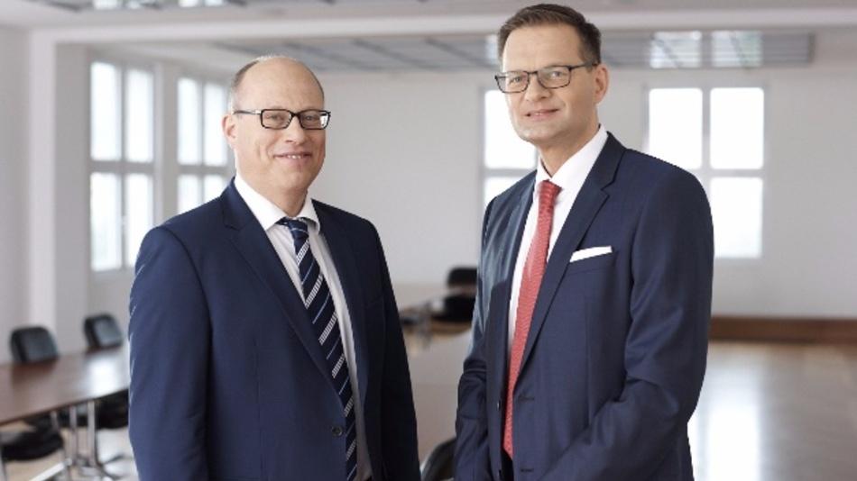 Finanzvorstand Hans-Dieter Schumacher (links) und Vorstandsvorsitzender Dr. Stefan Traeger