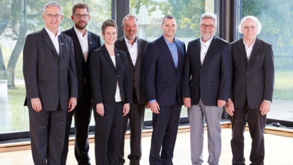 Das Management von Balluff und Matrix Vision (von links nach rechts): Michael Unger, Florian Hermle und Katrin Stegmaier-Hermle (Balluff) sowie Uwe Furtner, Erhard Meier, Gerhard Thullner und Werner Armingeon (Matrix Vision).