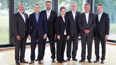Die Geschäftsführer aller drei Unternehmen (von links nach rechts): Uwe Furtner und Erhard Meier (Matrix Vision), Florian Hermle, Katrin Stegmaier-Hermle und Michael Unger (Balluff), Michael Wäschle und Joachim Mettenleiter (iss).
