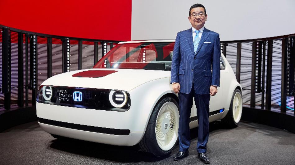 Honda präsentiert auf der IAA die Studie »Urban EV«, ein batteriebetriebenes Elektroauto.