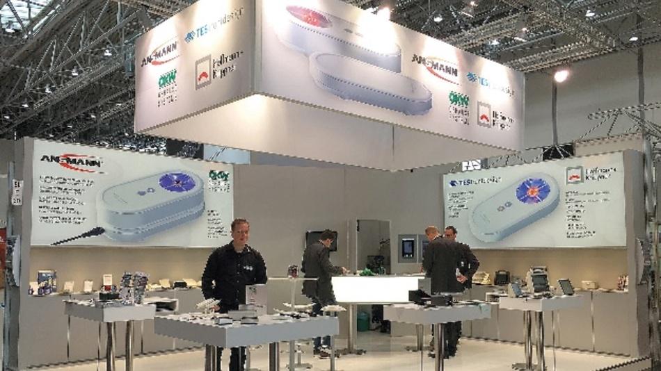 """OKW, Ansmann AG und Hoffmann + Krippner nehmen unter dem Motto """"ZUSAMMEN WIRKEN"""" mit einem Gemeinschaftsstand in Halle 8b, Stand E30 an der Fachmesse teil."""