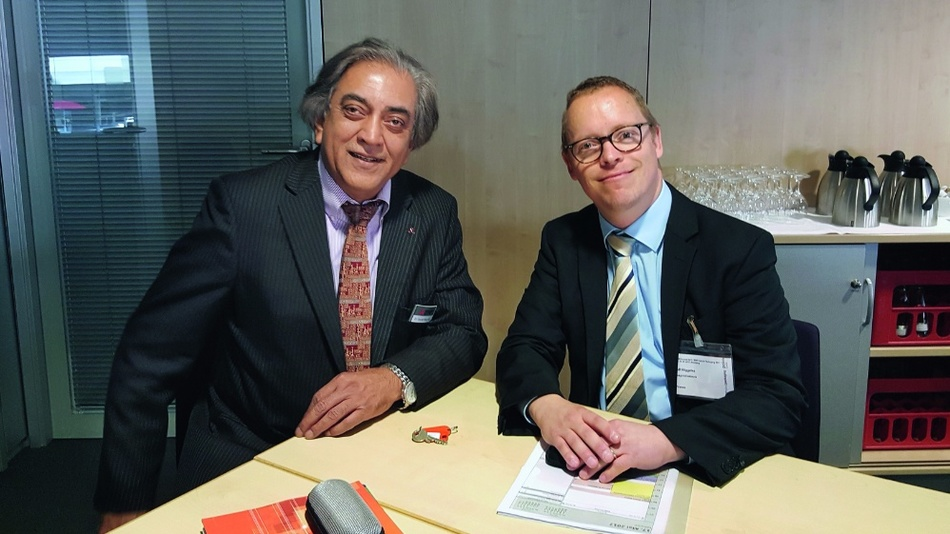 Ralf Higgelke im Gespräch mit Dr.Gourab Majumdar während der PCIMEurope 2017.