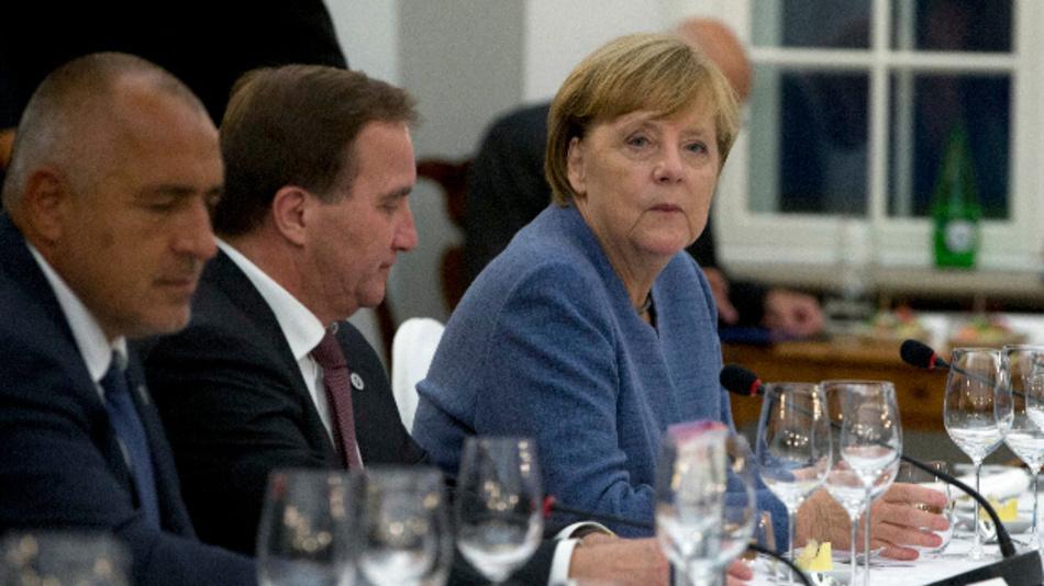 Bundeskanzlerin Angela Merkel; Ministerpräsident von Schweden, Stefan Löfven (Mitte), und der Ministerpräsident Bulgariens, Bojko Borissow auf dem Digital-Gipfels in Estland.