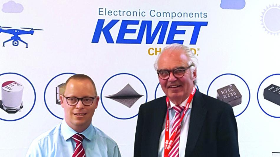 Auf dem 2. Anwenderforum Passive Bauelemente hielt KEMETs CEO Per Loof (rechts neben unserem Redakteur Ralf Higgelke) die Keynote zum Thema »Sozial verantwortlicher Abbau von Tantalerz«.