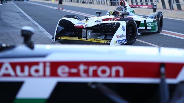 Bei den letzten Testfahrten der  Formel E in Valencia vor dem Start der neuen Saison in Hongkong überzeugte der e-tron FE04 auf einer Strecke von 1.466 km, was der Renndistanz einer kompletten Formel-E-Saison entspricht.