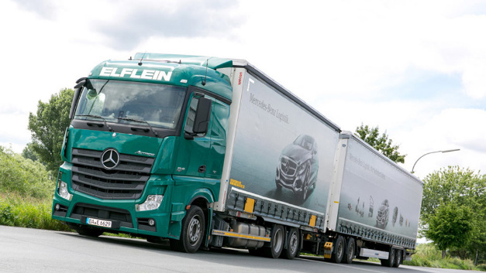 Lang-Lkw beliefern seit 2015 Daimler-Werke in Baden-Württemberg.