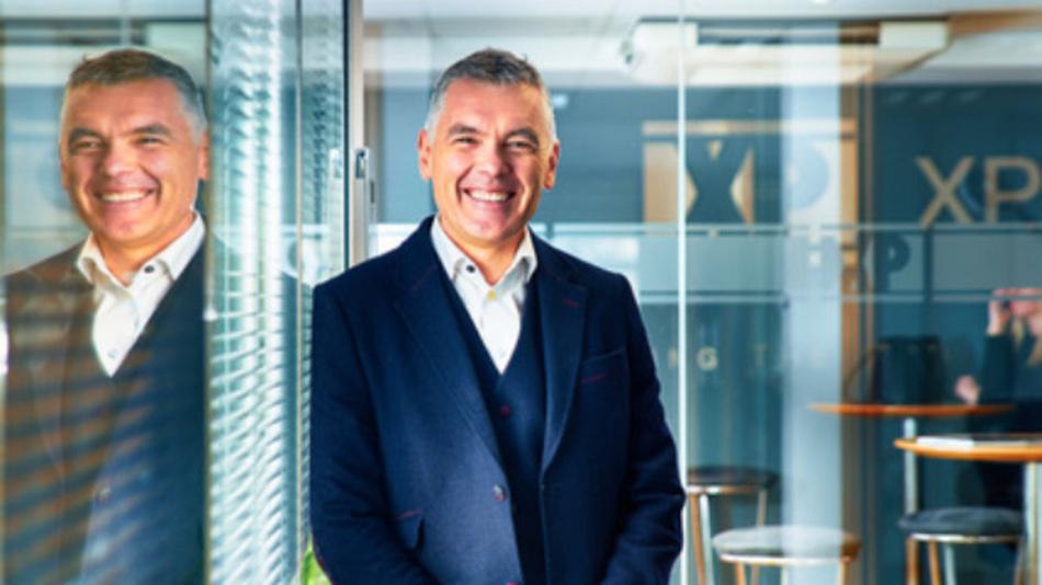 Duncan Penny, Chief Executive von XP Power: »Wir freuen uns über die Möglichkeit, die umfangreiche Produktpalette von Comdel über unser weltweites Vertriebsnetz anbieten zu können.«