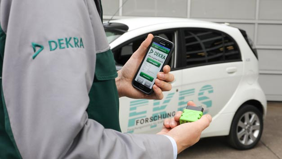 Dekra und das FKFS haben gemeinsam ein schnelles Verfahren zur Bewertung der Batterie bei gebrauchten Elektrofahrzeugen entwickelt.