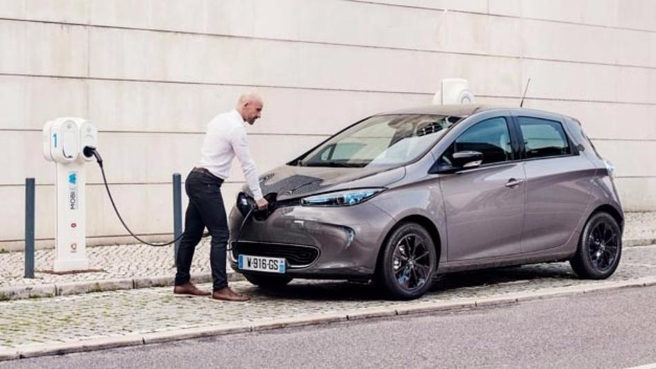 Renault will Elektromobilität vorantreiben und hat dazu die Tochter Energy Services gegründet sowie sich am Smartcharging-Spezialisten Jedlix beteiligt.
