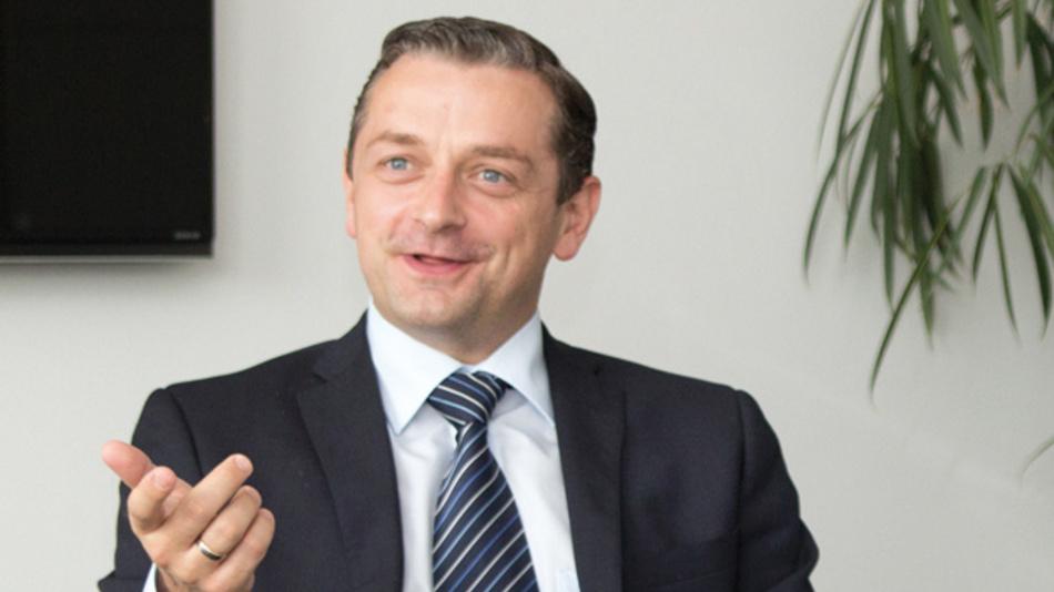 Thomas Foj, Avnet Silica  »Die Hersteller sind gezwungen, immer schneller die Produkte zu entwickeln, und konzentrieren sich auf OEMs und Tier-1-Lieferanten. Wenn es darum geht, einen breiteren Markt zu adressieren, sind wir der Partner der Wahl.«
