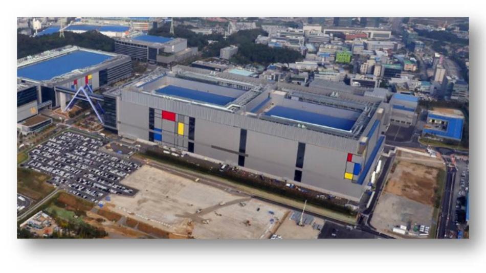 Die neue S3-Line-Fab von Samsung, in der ICs mit Hilfe der Foundry-Prozesse der neusten Generationen gefertigt werden, darunter der 8-nm-FinFET-Pro