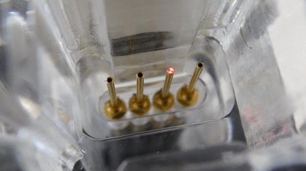 Smarter Leucht-Kontaktstift von Feinmetall