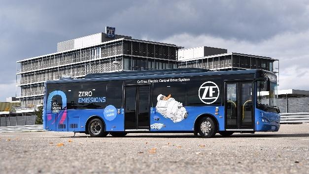 ZF entwickelte einen Versuchsträger mit rein elektrischen Zentralantrieb CeTrax.