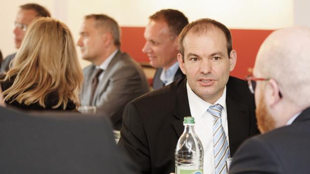 """Forum """"Elektronikdienstleistungen – Chancen und Herausforderungen"""" – Pausengespräche"""