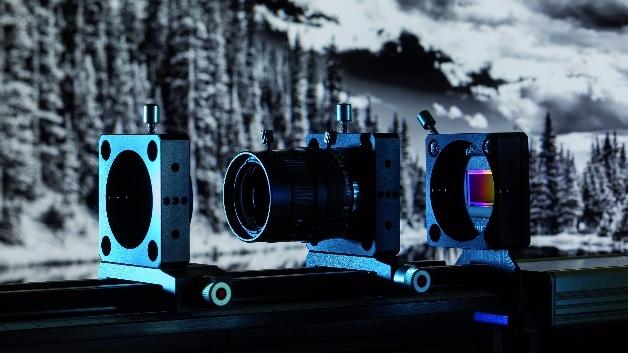 Bildsensor basierend auf organischen Photodioden auf Silizium in einer typischen Kameraanwendung. Hintergrund: NIR-Bild.
