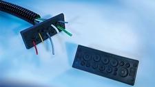 Kabeldurchführungsplatten Kanten kabelschonend abgerundet