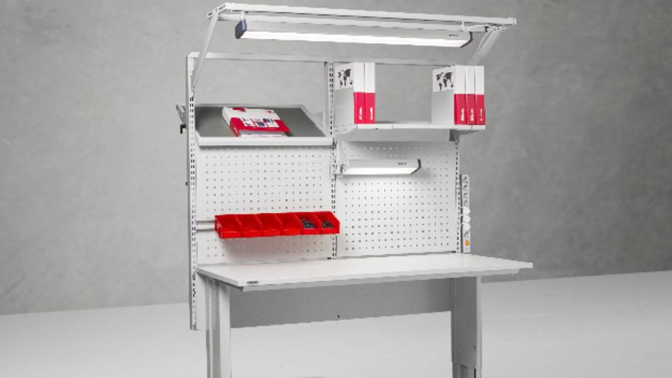 Schlankes Design, natürliches Licht: Für industrielle Arbeitsplätze sind die Treston NaturLite-LED-Modelle ideal geeignet.
