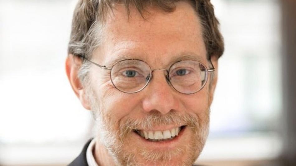 Andrew Millis promovierte 1986 am Massachusetts Institute of Technology. Als Preisträger wird Millis künftig zu Lehr- und Forschungsbesuchen nach Hamburg kommen und auch Doktoranden betreuen.