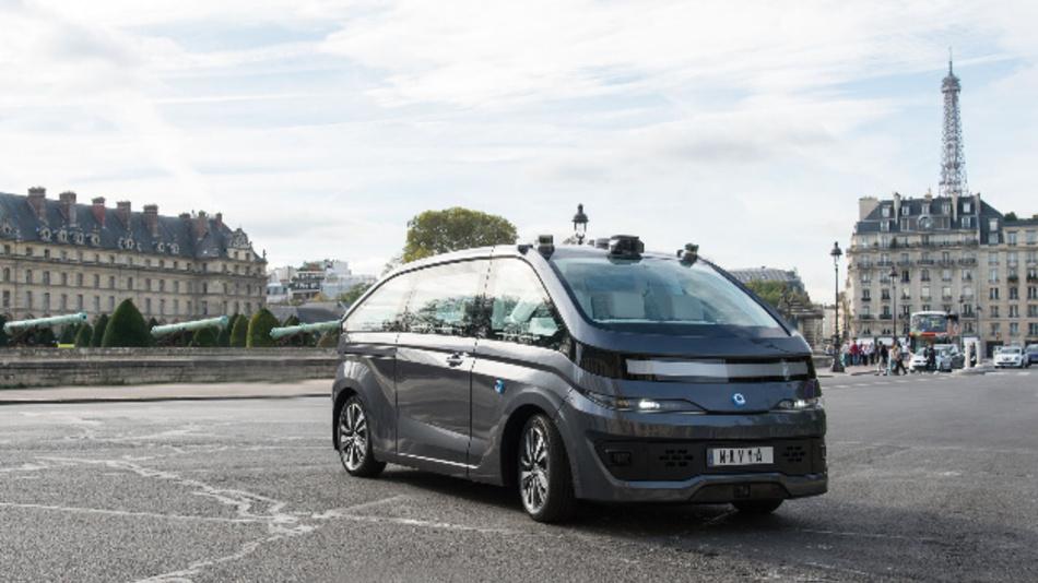 Navya präsentiert das autonome Robotertaxi in Paris.