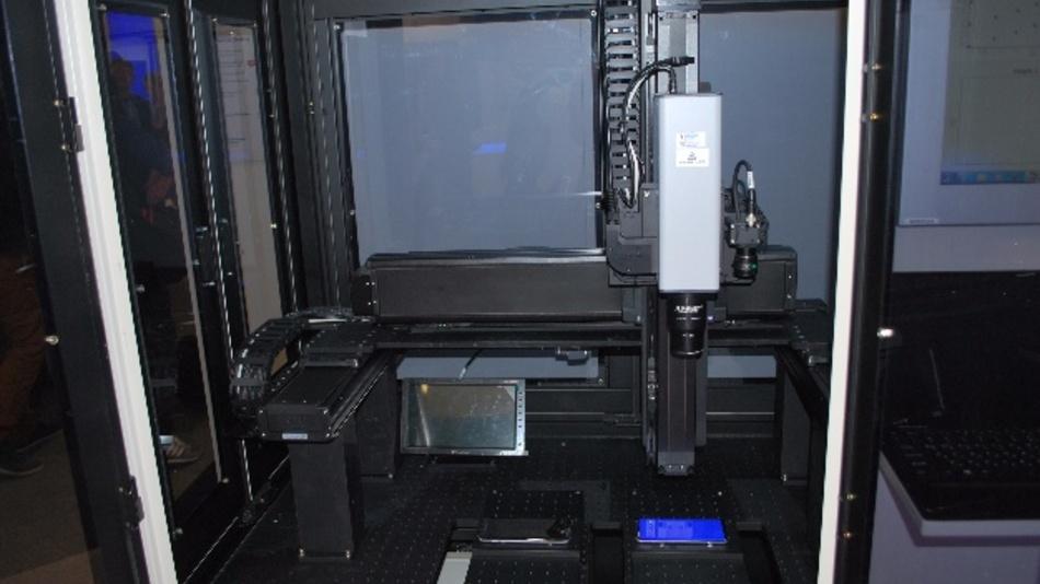 LumiTop 2700 von Instrument Systems - hier verbaut im Testsystem