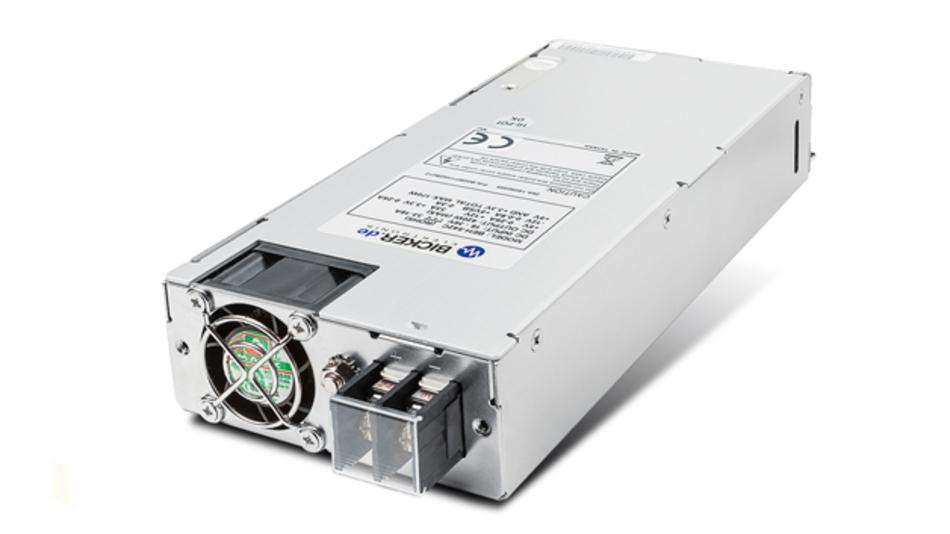 Das flache 420-W-Netzteil BEH-542C lässt sich im industriellen 24-V-Umfeld und für 1-HE-Server-Rack-IPCs ebenso gut einsetzen wie im mobilen Bereich. Alle ATX-Ausgänge des BEH-542C benötigen keine Grundlast, das heißt die Ausgangsspannungen werden auch ohne Last stabil ausgeregelt. Diese Eigenschaft ist für den zuverlässigen Betrieb aktueller CPU-Generationen mit speziellen Energiespar-Modi von entscheidender Bedeutung, da hierbei der Leistungsverbrauch des Systems je nach Modus teilweise bis auf unter 1W reduziert wird.