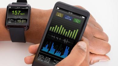 Optische Pulsoximeter- und Herzfrequenz-Sensoren sowie ein EKG- und BioZ-AFE erlauben eine präzise Dauerüberwachung.