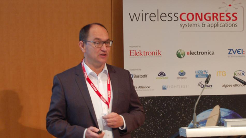 Bild 5. Hermann W. Reiter, Vetriebsdirektor bei Digi-Key electronics Deutschland, legte den Fokus seines Vortrages auf die Herausforderungen, mit denen die Elektronik-Distribution durch die rasante Ausweitung von Wireless-Anwendungen und -Standards konfrontiert wird.